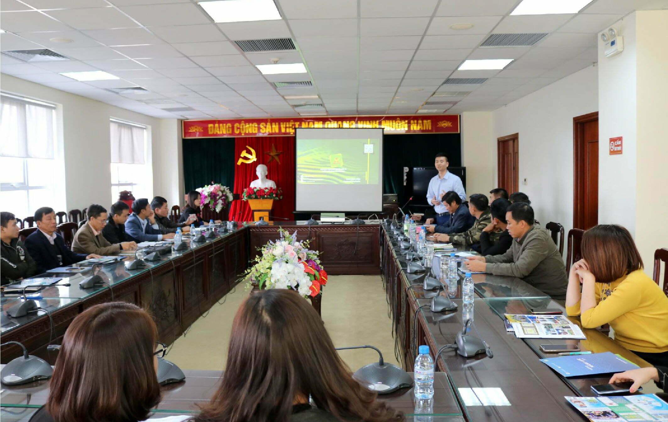 lãnh đạo checkvn tham dự hội thảo